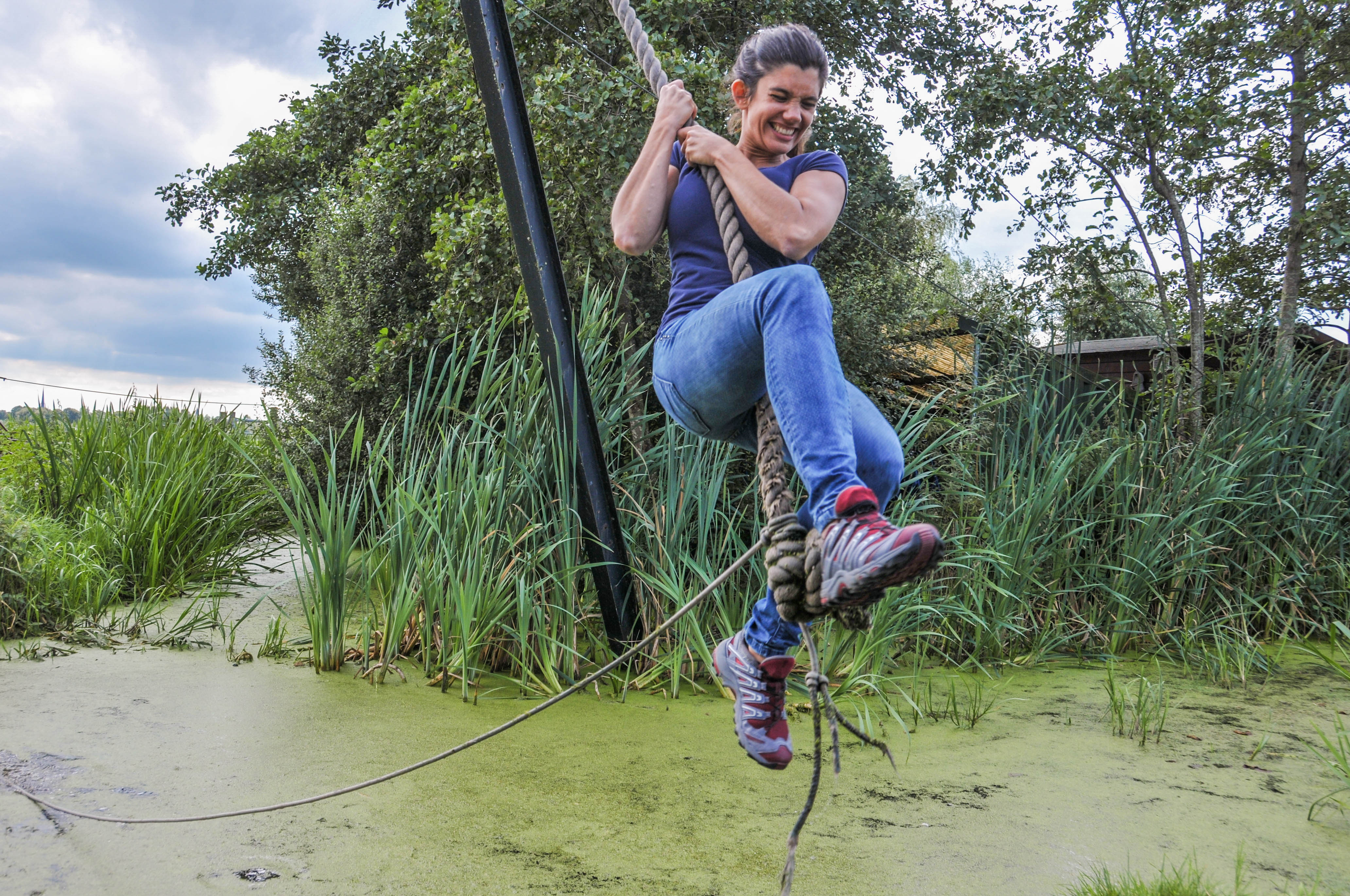 Vrouw op de touwslinger