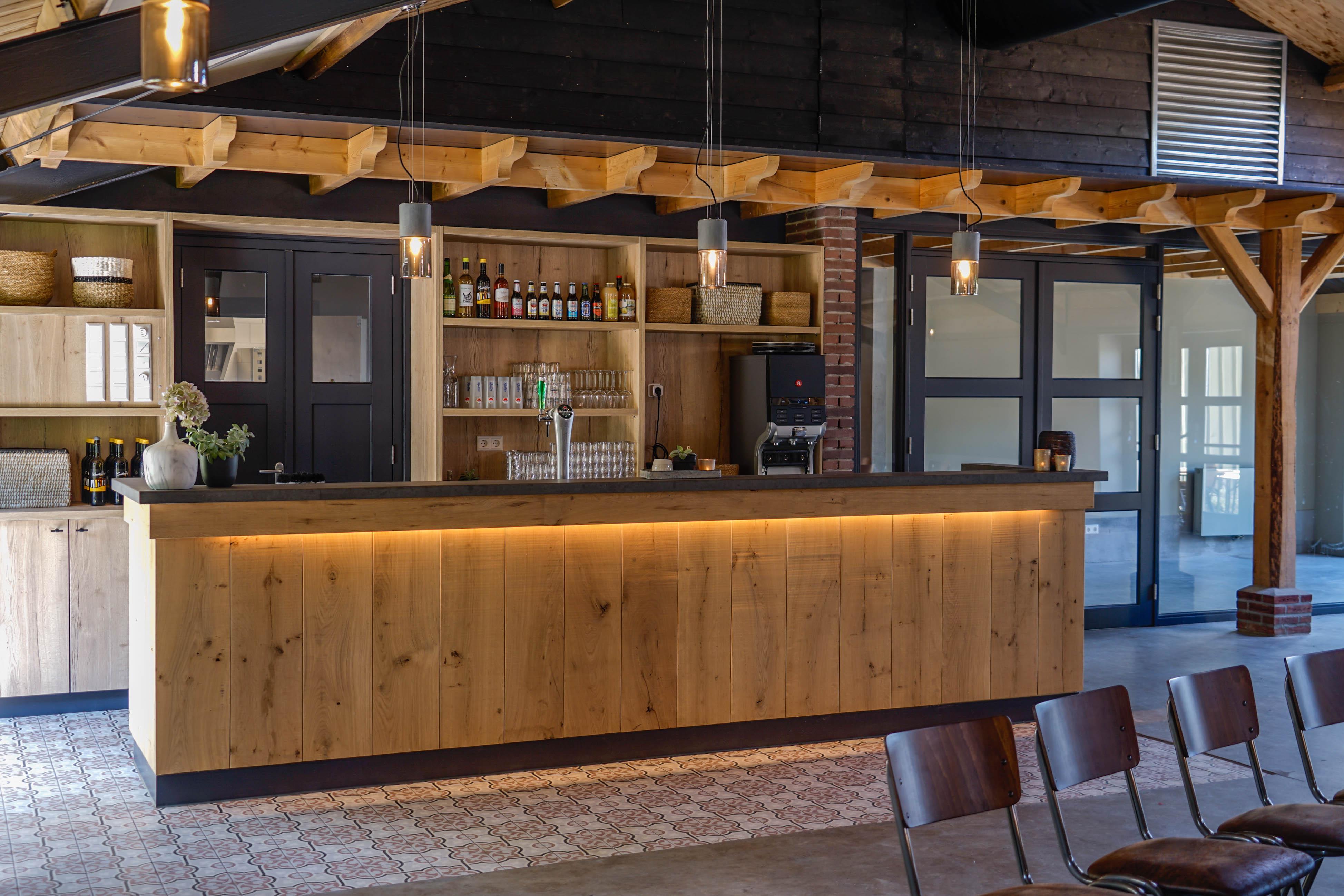 De bar van de vergaderruimte het Karnhuis